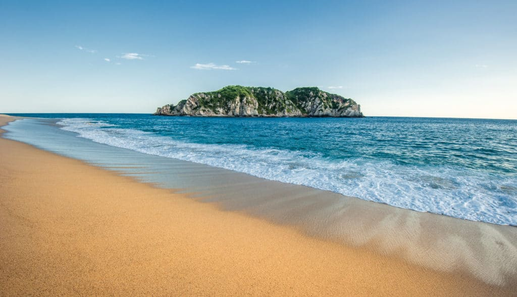 Cacaluta beach in Huatulco, Mexico