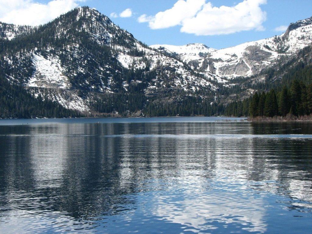 Winter in Lake Tahoe - link