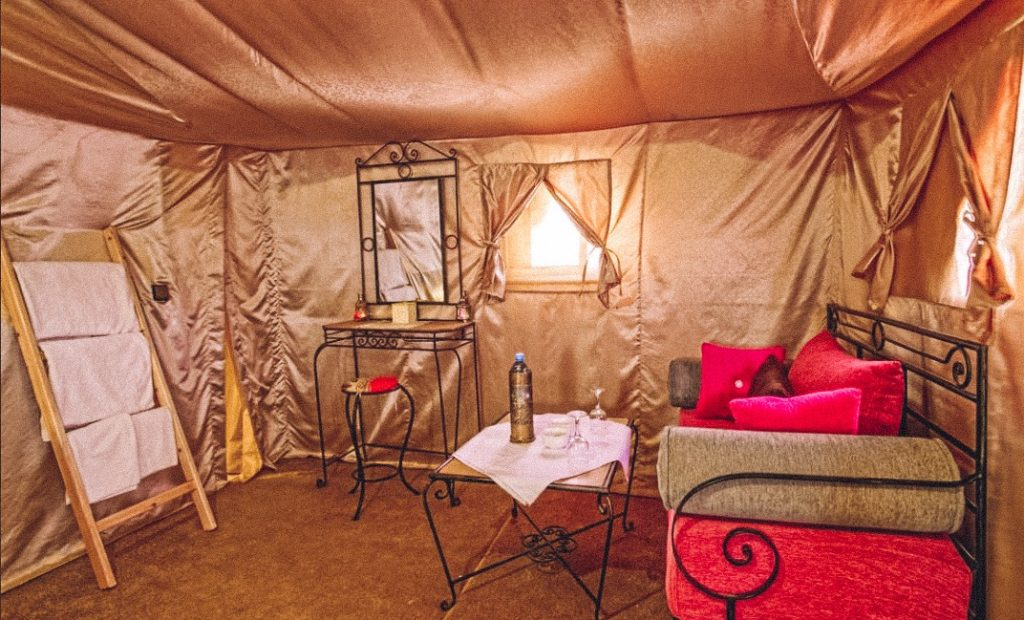 Luxury camp at Irg Lihoudi desert