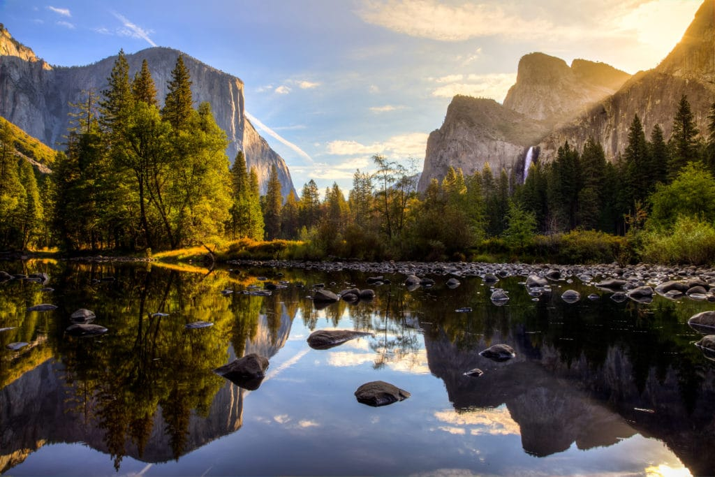 Sunrise in Yosemite Valley over lake