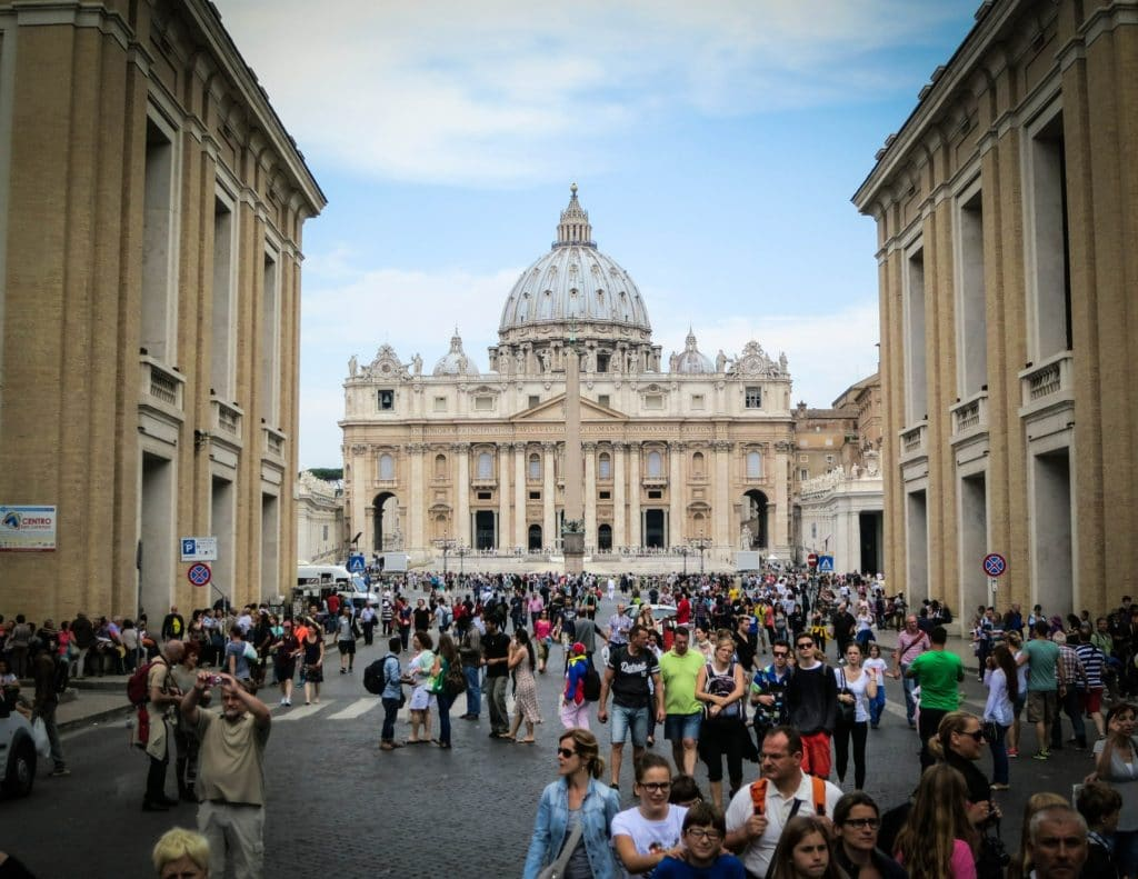 How to avoid crowds at Vatican City