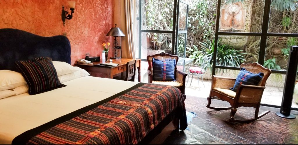 How to afford to travel more - Hotel Meson Panza Verde, Antigua, Guatemala