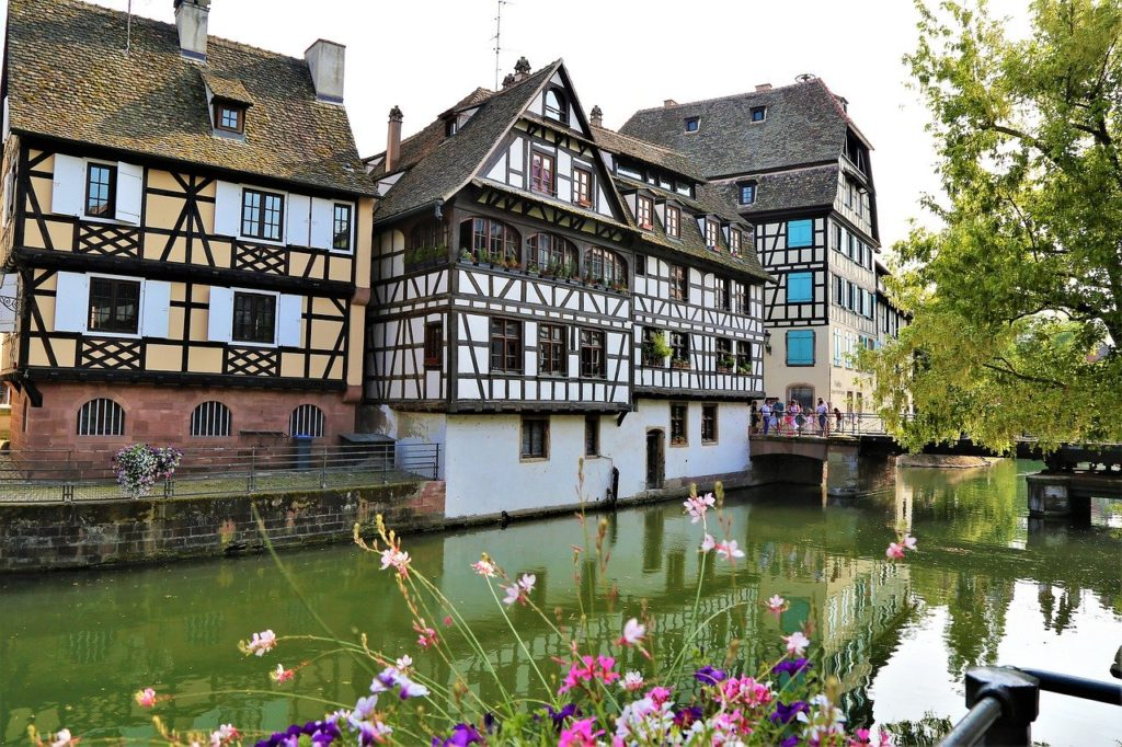 Paris travel  - Weekend getaways to Strasbourg