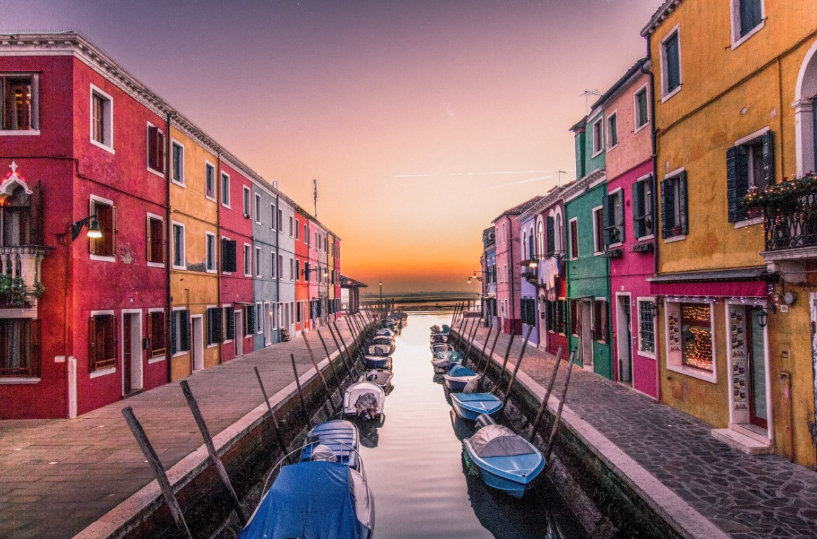 Burano, Italy - Weekend getaway to Europe