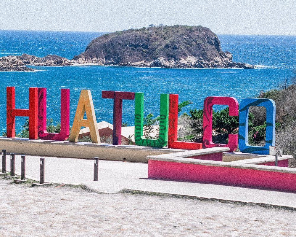 Huatulco Sign