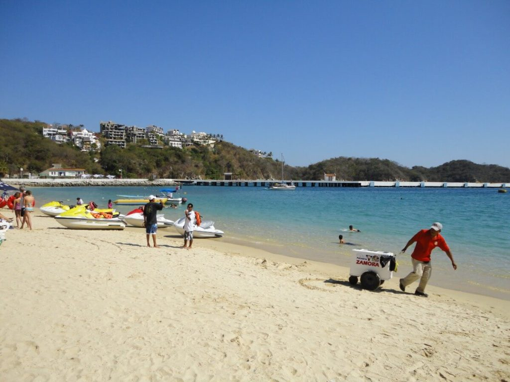 Playa Santa Cruz in Huatulco