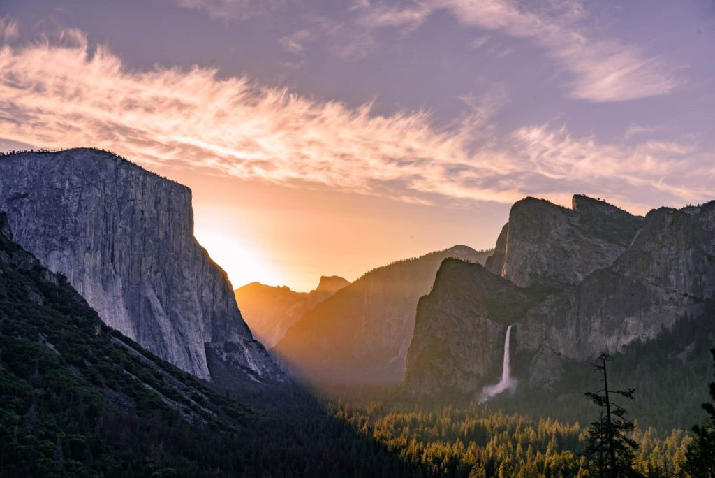 Tunnel view Yosemite sunrise
